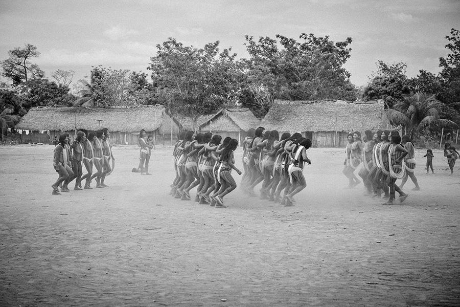 Dança Abenkutan-metoro-opron, da festa da mandioca (Kwyràkango